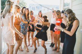 bachelorette-party-girls-dancing