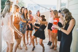 bachelorette-party-girls-dancing